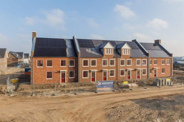 StramannBouw - Wadding Estate